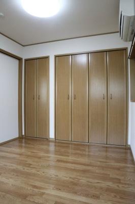 【洋室】ひよどり住宅