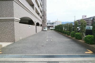 【駐車場】エスリード八尾桜ヶ丘