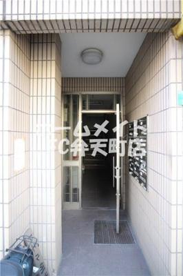 【エントランス】ドエル朝潮