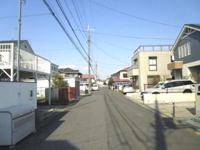 【前面道路含む現地写真】中古住宅