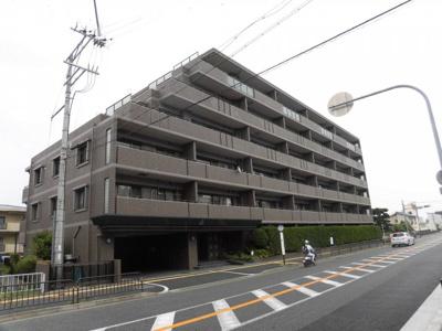 【現地写真】 鉄筋コンクリート造の35戸大型マンションです♪