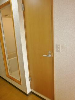 こちらがトイレです。ロイヤルヒルズ石室