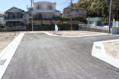 【前面道路含む現地写真】神戸市垂水区名谷町 8号棟 新築戸建