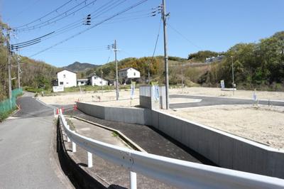 【前面道路含む現地写真】神戸市垂水区名谷町 4号棟 新築戸建