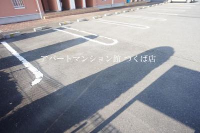 【駐車場】ノートル・レーヴB