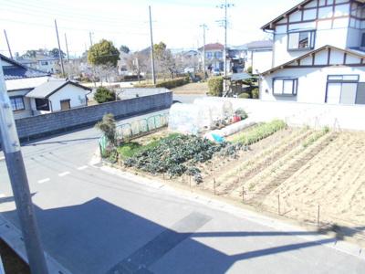 前面道路含む現地写真です。2698から2299万円に価格変更です。