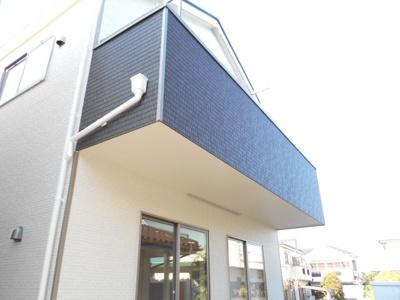 外はこのようになっています。2号棟らすと1棟。1780から1680万円に価格変更です。