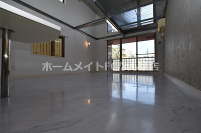 【洋室】レバンガAP難波カラーズ
