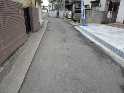 【前面道路含む現地写真】魚住町長坂寺 未入居戸建