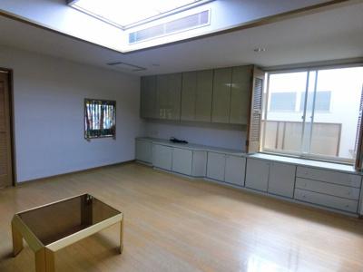 収納スペースが豊富な洋室です