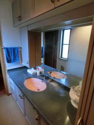 洗面台が複数あり、便利です
