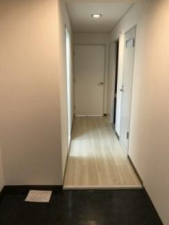 【戎フルール谷九】収納もある玄関です