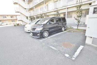 【駐車場】ペーン・ヴィラージュ