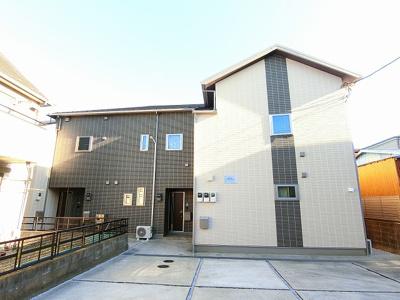 田園都市線「宮崎台」駅より徒歩圏内!築浅の2階建てアパートです♪コンビニや小学校が近くて便利な住環境です☆