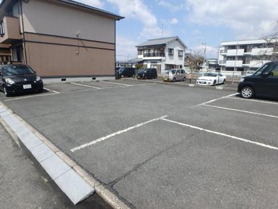 【駐車場】ジョイフルコンフォート