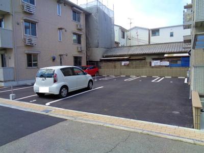 【駐車場】サウスガーディアン