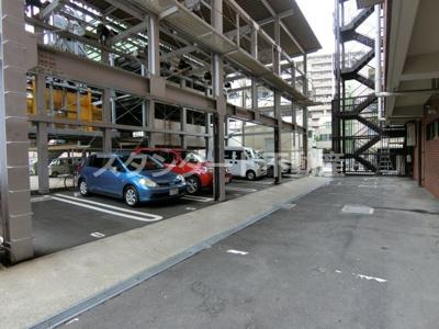 【駐車場】メゾンエルミタージュ
