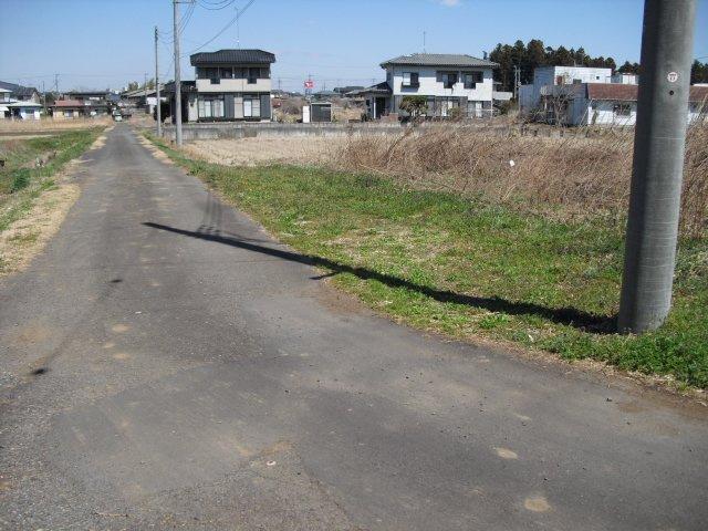 【前面道路含む現地写真】笠間市泉土地