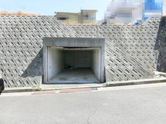 堀込車庫部分 幅約3m、高さ約2m、奥行き約5.6m