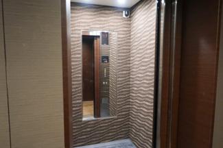 レイ市ヶ谷のエレベーターです