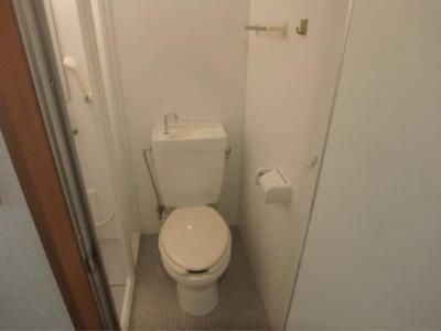 第78オーナーズビルのゆったりとした空間のトイレです☆
