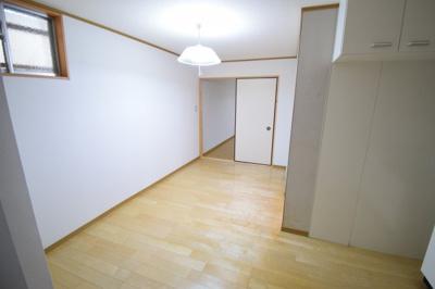 【居間・リビング】旗塚3アパート