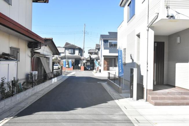 【前面道路含む現地写真】鴻巣市人形4丁目 新築分譲一戸建て全6棟