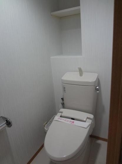 ゆったり使いやすいトイレです
