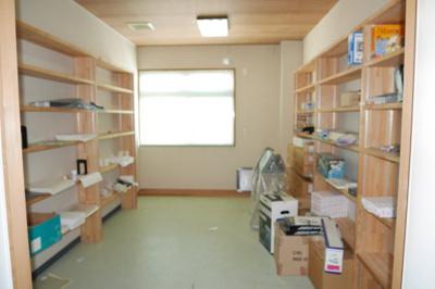 事務所棟2階 書庫・休憩室