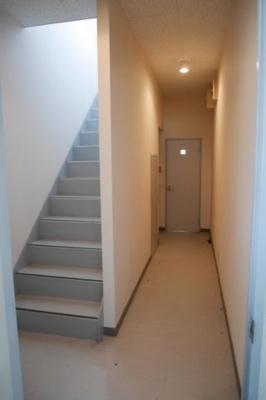 事務所棟2階 階段
