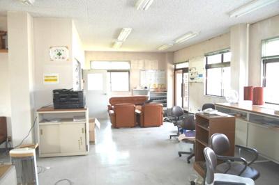 事務所棟2階 事務スペース①