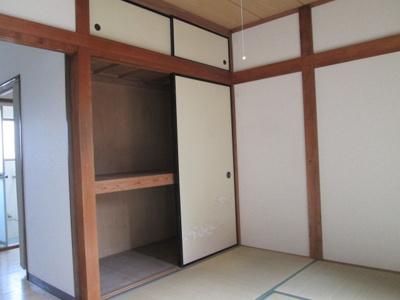 1階の和室になります。