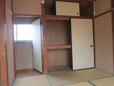 2階の和室になります。