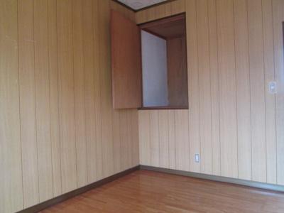 2階の洋室になります。