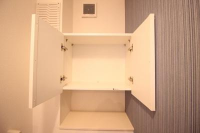 ★トイレ上部棚★