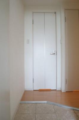 【玄関】ラビン新開地