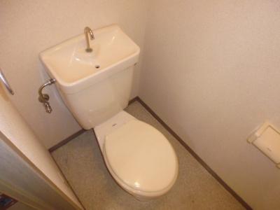シャワー付きトイレに変更します