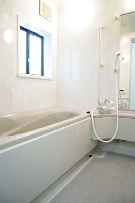 【浴室】中道通4丁目貸家