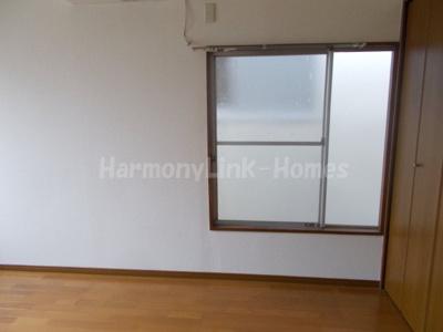 コーポ坂本の個人の部屋や寝室として使える洋室です☆
