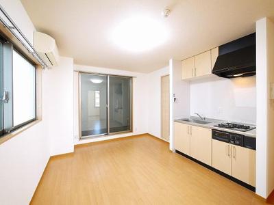 オープンキッチンなのでお部屋のスペースが広々使えます