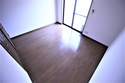 【洋室】プレジール八尾南