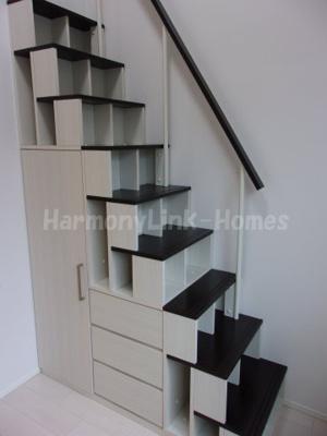 ハーモニーテラス桜台の収納付き階段☆