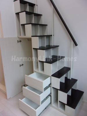 ハーモニーテラス桜台の収納付き階段②☆