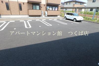 【駐車場】ゼピュロス学園の森E