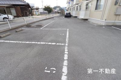 【駐車場】エル ヴィラージュ