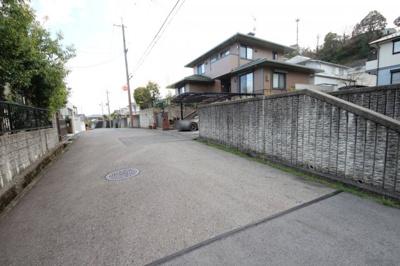 【前面道路含む現地写真】大津市花園町21 土地分譲