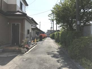 北側の道路です。物件は左側になります。(撮影日時:4月22日14:30頃)
