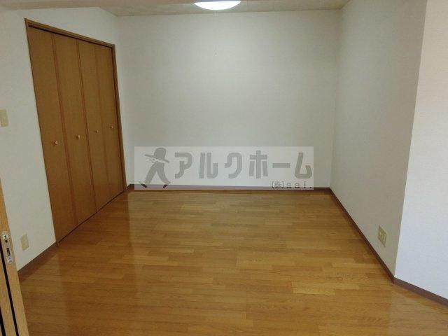 コンチェルト(柏原市平野) 洋室
