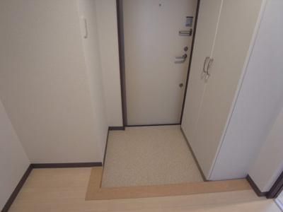 【玄関】コンフォルタ星田