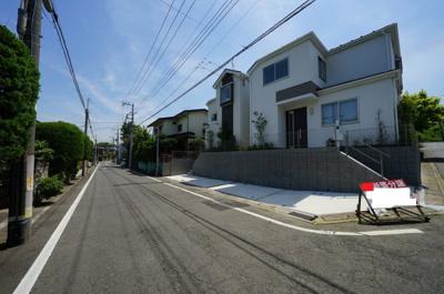 【前面道路含む現地写真】保土ヶ谷区東川島町全2棟 新築戸建【成約】